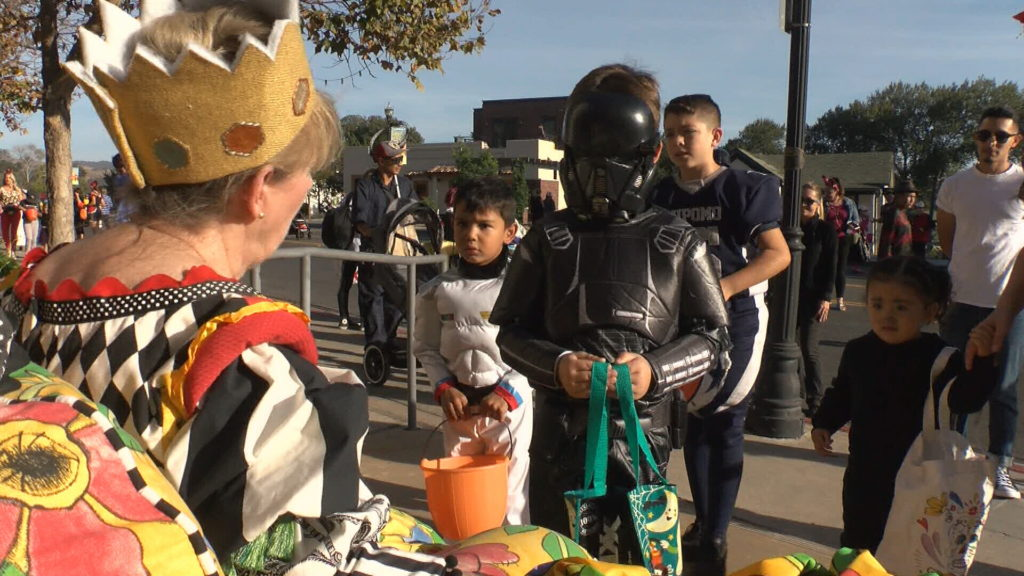 Halloween at Arroyo Grande Village (KSBY photo)
