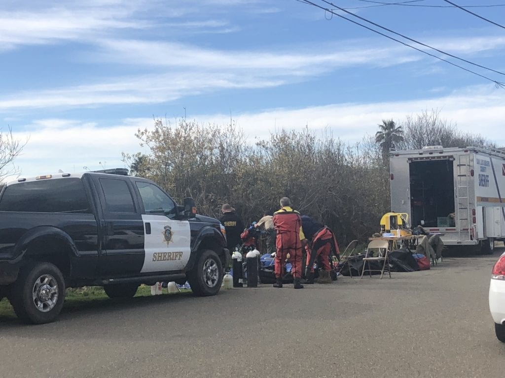 The SLO Co. Sheriff's dive team suiting up in Oceano Monday morning. (KSBY photo)
